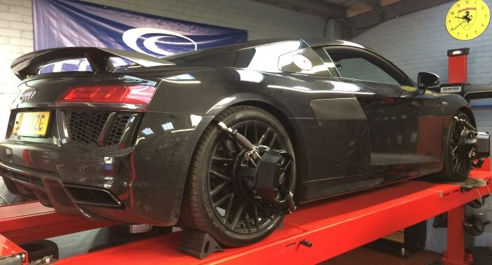 Tyre-Smart (Essex) Audi R8 wheel alignment